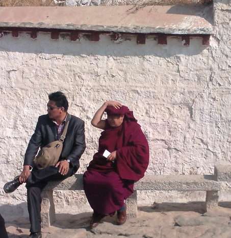 monk sur un banc